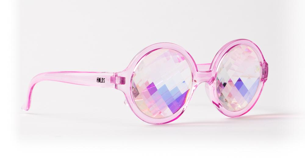 h0les-gafas-con-cristales-caleidoscopicos-Høles-glasses-fashion-trends-accesorios-rosa-trendy-girl-moda-chicas-PiensaenChic-Piensa-en-Chic